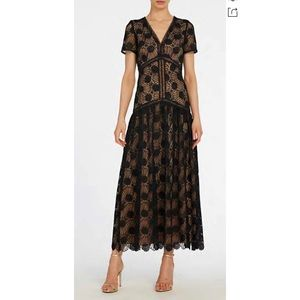Monique Lhuillier • NWT Kynance Lace Midi Dress